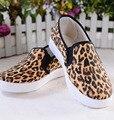 [328] 2017 Nova Primavera das mulheres Sapatos Casuais Estudante Sapatos de Leopardo Fêmea Testa Larga Listras Sapatos Confortáveis. WDDS-9