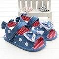 2016 estilo de moda de Verano de algodón de mezclilla azul polka dot cute baby princess Soft Suela bebé antideslizante zapatos