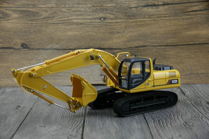 1:35 922D excavator model Alloy engineering car model Collection model rare gemini jets 1 72 cessna 172 n53417 sporty s flight school alloy aircraft model collection model