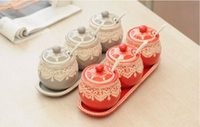 Spice Jar High Quality Creative Home Kitchen Ceramic Spice Set Salt and Pepper Decorative Spice Jar Free Shipping
