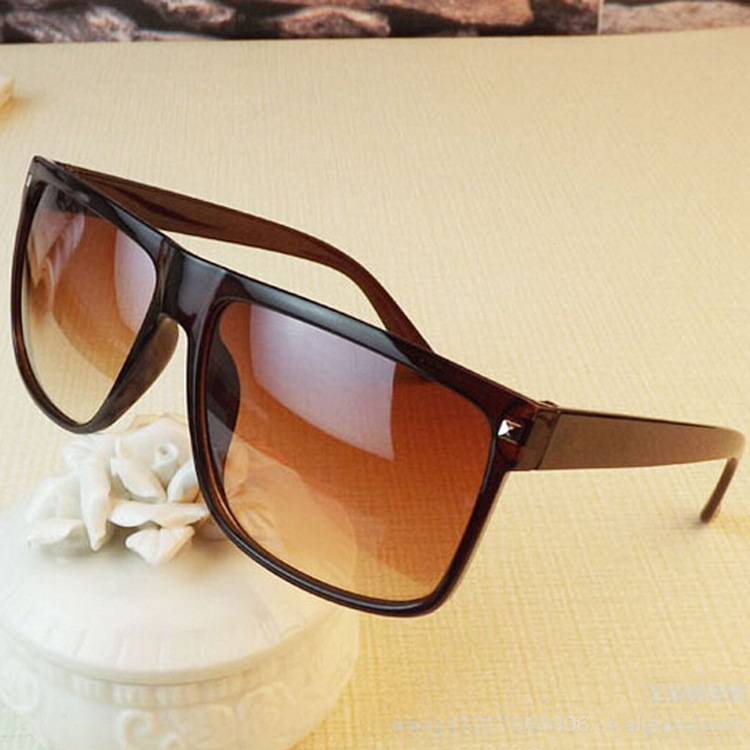 Retro Rivet Sunglasses Unisex Large Square Sun glasses UV400 Black Brown Color