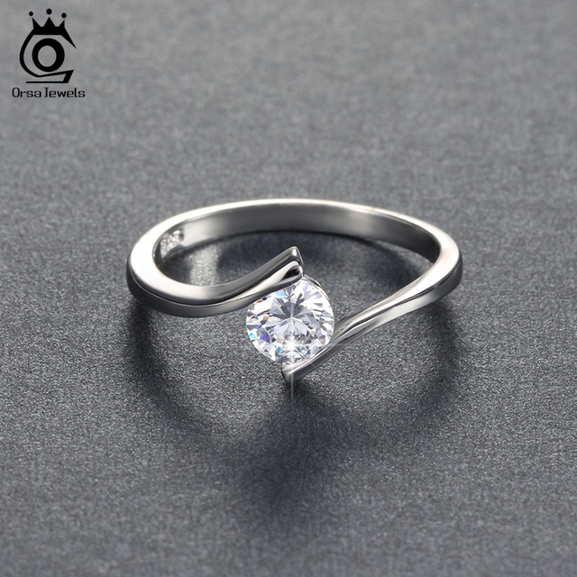 ORSA JEWELS 2018 Luxury Austrian Crystal Solitaire Ring Silver Color Lead & Nick