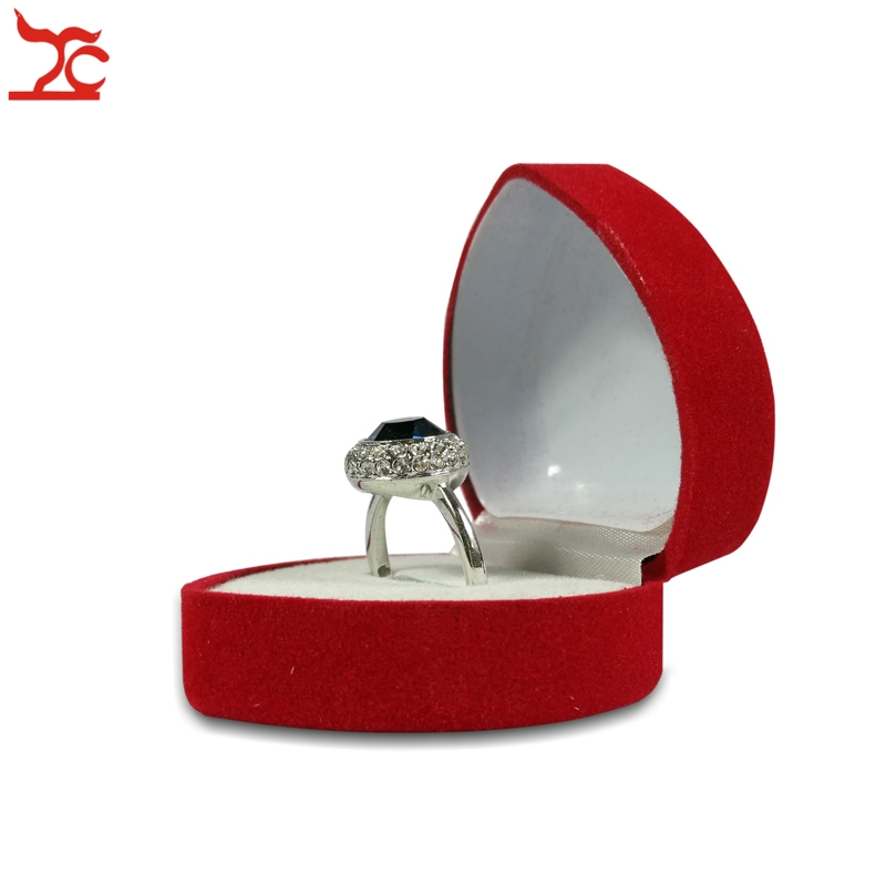 1 Piece Fashion Red Heart Shaped Ring Box Cute Mini Red Velvet Ring Storage Carrying Cases Ring Storage Organizer Packaging Box