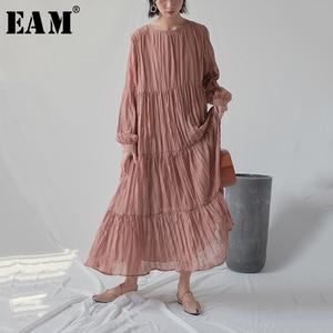 Image 1 - [EAM] 2020 חדש אביב סתיו עגול צוואר ארוך שרוול לבן Loose ארוך קפלים שיפון עוגת ארוך שמלת נשים אופנה גאות JR170