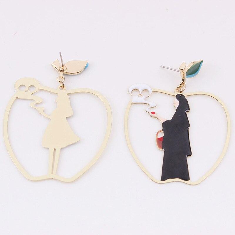 Furniture 2018 Fairy Tales Cartoon Snow White Black Queen Poison Apple Asymmetric Drop Earrings For Women Funny Big Apple Earring