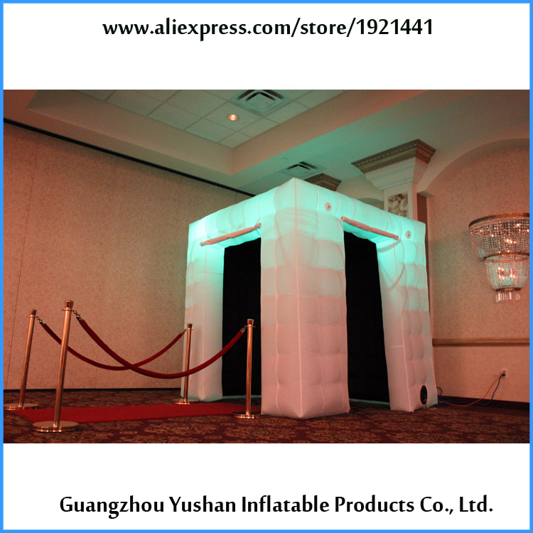 Cabine de photo gonflable de cube blanc de 7.8ft de livraison gratuite avec 2 portes à vendre