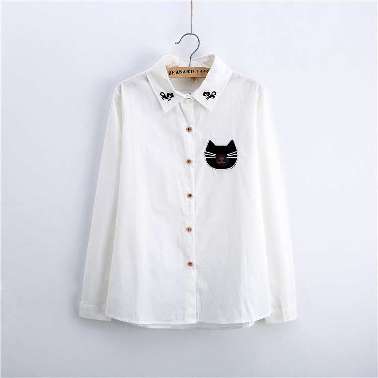 34ee1d221290 € 8.9 10% de DESCUENTO|Linda blusa blanca con apliques de gato negro  bordado blusa de mujer jirafa algodón camisa blanca de manga larga blusas  ...