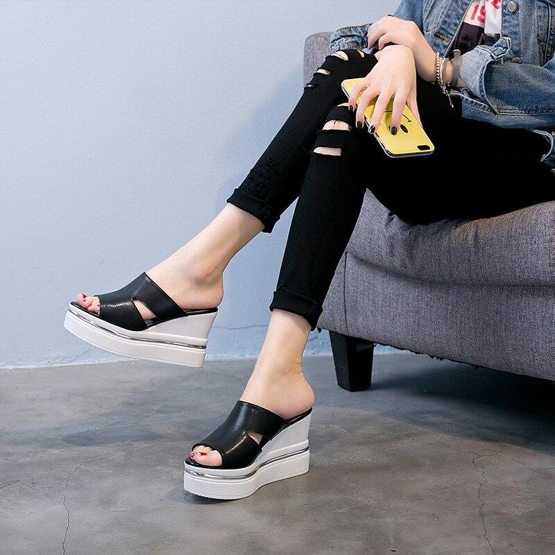 SWYIVY Шлепанцы из натуральной кожи на платформе Популярные летние белые женские туфли; Большие размеры 34–43 Клин для отдыха шлепанцы удобные ...
