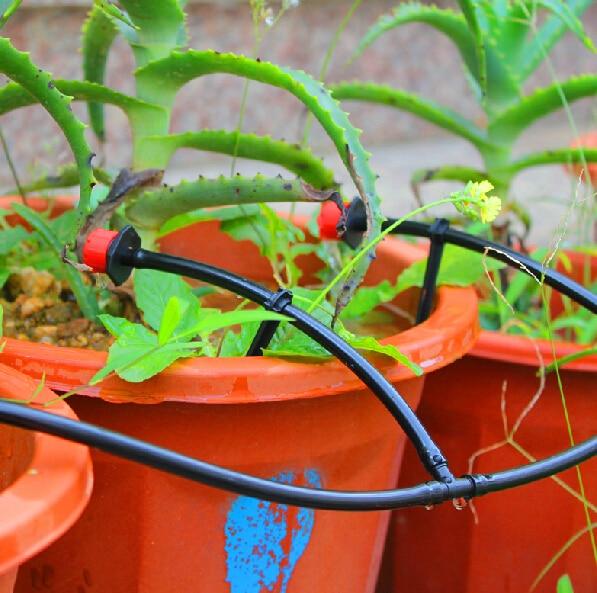 5m letku suuttimilla Drip Irrigation System Micro Drip-kastelujärjestelmä säteilee letkuja, joissa on tippaajia