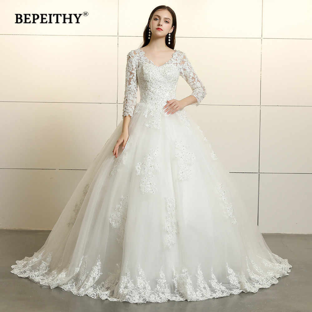 Vintage 2019 Lace Wedding Dress Long Sleeves Vestido De Novia Court Train Lace V Neck Bridal Dresses Open Back Ball Gown