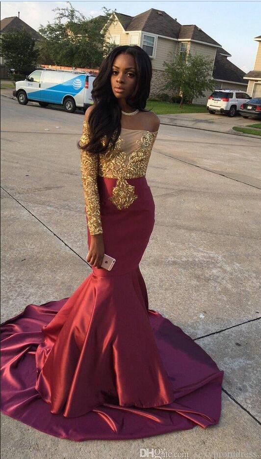 Бордовый с золотом платье