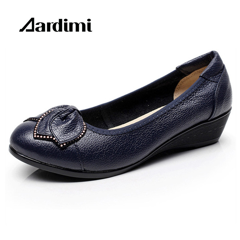 NEW 2017 Genuine Leather shoes woman spring casual slip on flat shoes women loafers fashion wedges flats shoes zapatos mujer new 2017 spring summer women flats shoes genuine leather flat heel pointed toe black red shoes woman slip on casual flat shoes