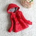 Nuevos 2016 niños prendas de vestir exteriores muchachas del invierno del otoño hoodies la capa del bebé bebé ropa de abrigo casual con flores de encaje prendas de vestir exteriores