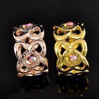 Geel/rose goud Kleur metalen uitsparing bloem zijden sjaal gesp clip broche vrouwen luxe broach broches sieraden acessories