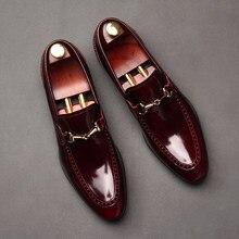 8a69857c26 Nuevos hombres Formal zapatos talón plano de cuero Real Horsebit moda  Zapatos del Partido de boda de los hombres para los hombre.