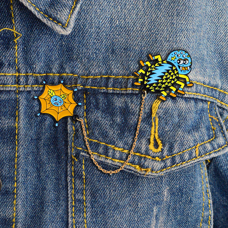 Spin en spinnenweb verbinding pin cartoon broche leuke insect broche shirt rugzak badge pin jongen decoratie kind ornament