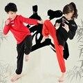 Nueva Llegada de Los Niños Establece Niños Trajes de Tai Chi Artes Marciales Kung Fu Wushu Uniforme Chino Trajes Ropa del Funcionamiento de la Etapa