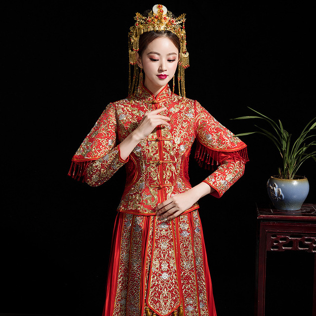 7e45c02887b2e US $95.88 49% OFF|Long Sleeve Chinese Traditional Wedding Dress Women  Phoenix Embroidery Cheongsam Red Qipao Evening Gown China Bride  Traditions-in ...