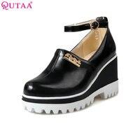 QUTAA 2017 Giày Nữ Mùa Hè Người Phụ Nữ Màu Đỏ Giày PU leather Wedge cao Gót Phụ Nữ Pump Ankle Strap Phụ Nữ Cưới Cỡ Giày 34-43