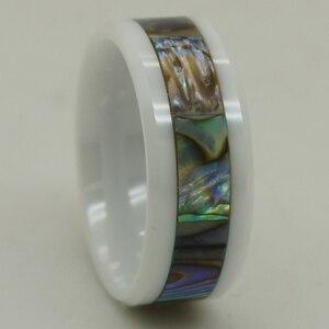 Image 1 - Anillo de cerámica blanco a prueba de arañazos con incrustaciones de concha de perla natural de 8mm de ancho 1 ud.