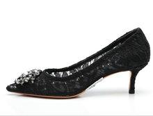 b556b014a Mulheres bombas de cristal preto elegante sexy malha oco para fora do laço  do casamento do dedo do pé apontado sapatos de salto .