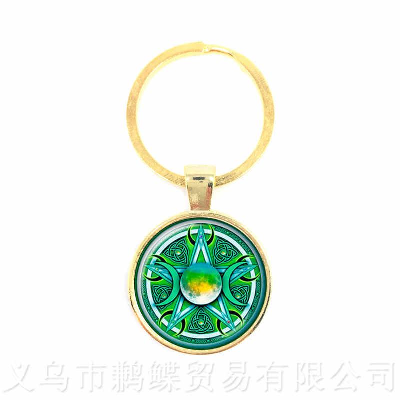 Зеленый фон Тройная Лунная богиня Wicca Pentagram Magic амулет-талисман мужские брелки для ключей в форме Луны тибетские Винтажные Ювелирные Изделия