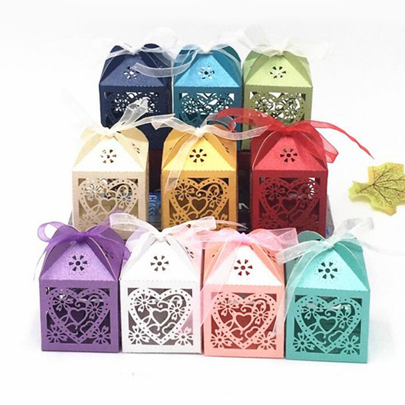 10pcs Love Heart Laser Cut Hollow Carriage Favors Gifts Bag Candy Boxes With Ribbon Baby Shower Wedding Event Party Supplies