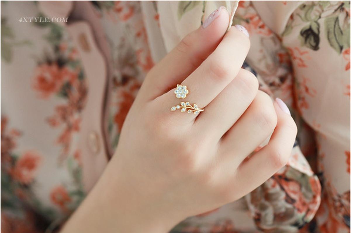 Korean Twisted Leaves Flower Rhinestone Open Ring Rose Gold Color Finger Ring For Women Statement Adjustable Ring Wholesale