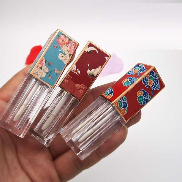 New 3.5ml Empty Lip Gloss Tubes With 3D Picture Cap Square Lip Glaze Tube Packing Container DIY Lip Balm Bottle