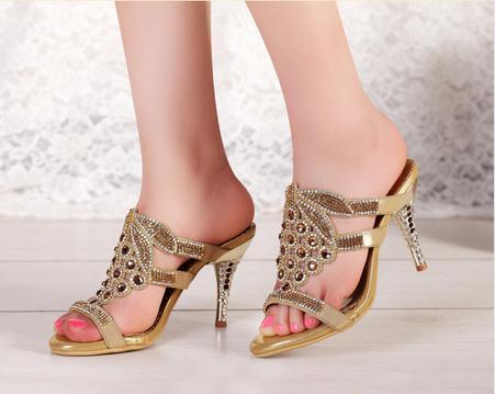 Здесь можно купить    33 34 41 Women Sandals Small Size Pumps Rhinestone Girl Plus Size Genuine Leather Crystal Slides 2 3 4 10.5 10 9 5  Обувь