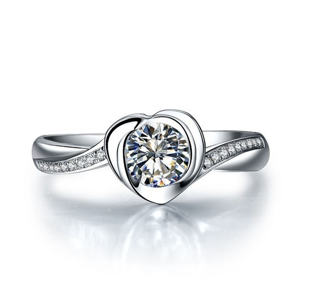 Elegant Sweet Heart Round SONA Diamond Wedding Ring 925 Sterling