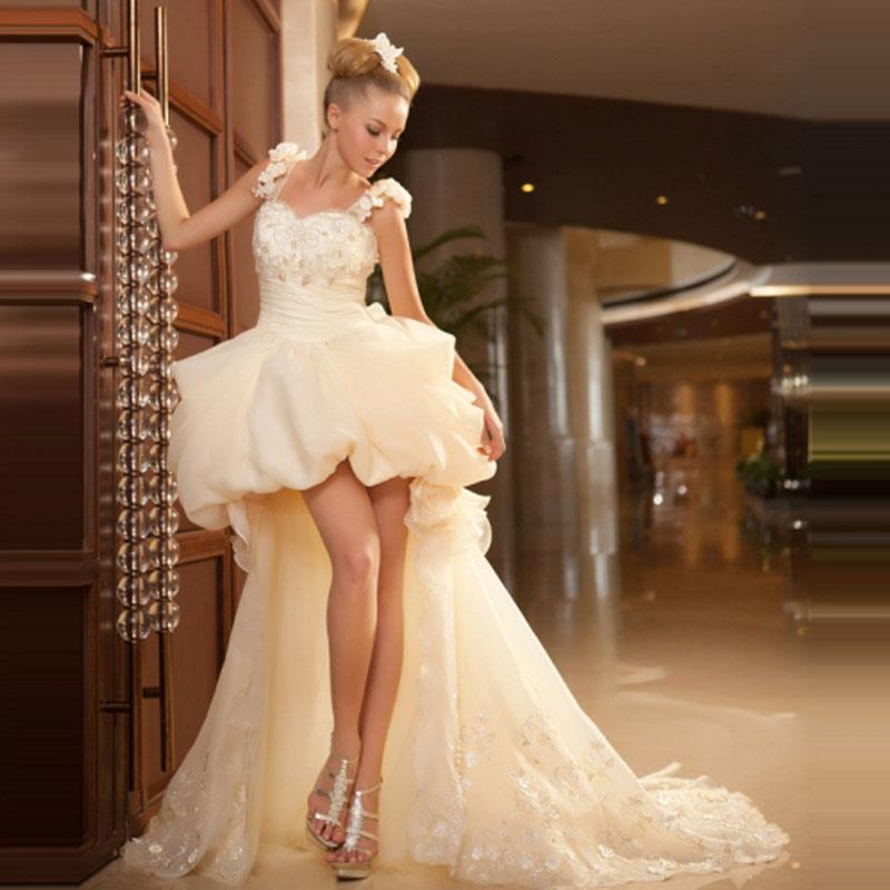 Short Wedding Dress Ball Gown Court Train Beaded Flower Beaded Ruffles Pleat Bride Dress Sweet Short In Front Long Wedding Gown