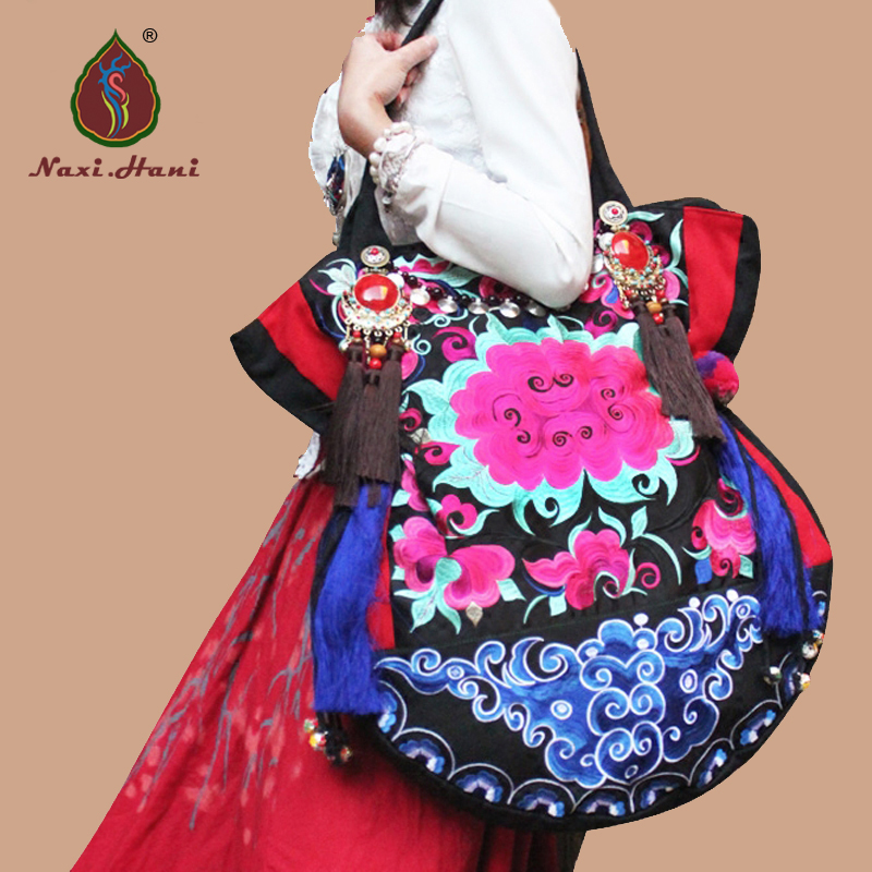 Newest Brand embroidery canvas women bags Ethnic handmade tassel lagre Shoulder Bags Hmong embroidery pattern canvas bags national trend women handmade faced flower embroidered canvas embroidery ethnic bags handbag wml99