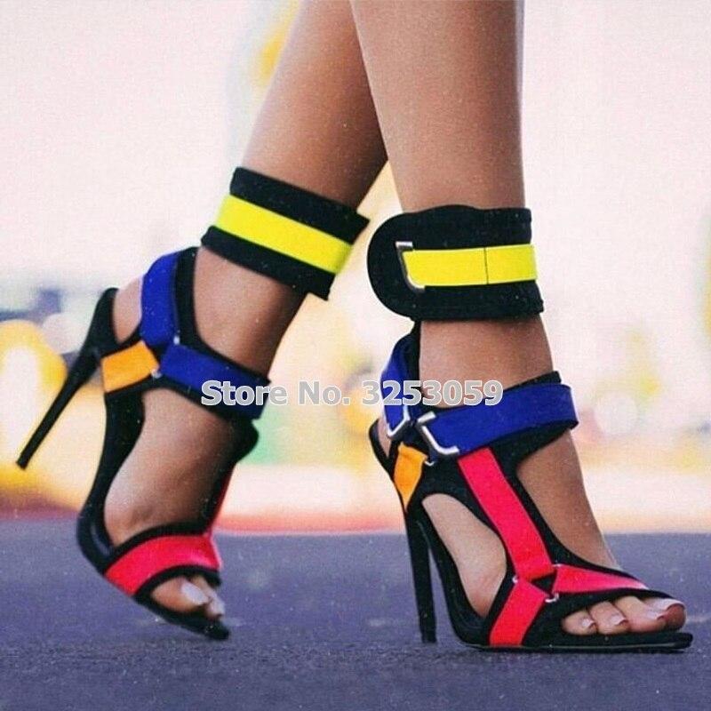 ALMUDENA nouvelle conception multi couleur mince à talons hauts sandales en métal décoration boucle sangle chaussures Cross Strappy pompes de mariage
