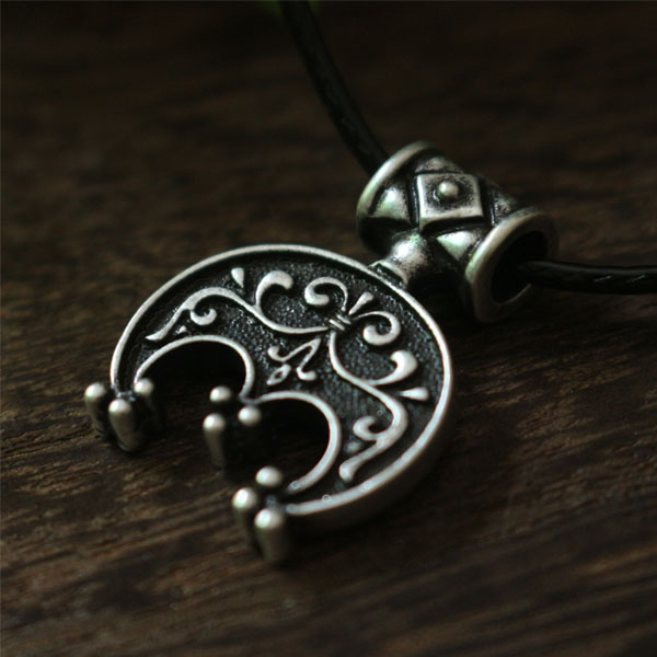 10pcs norse Antique Silver Lunula pendant Moon Crescent Necklace pendant jewelry LUNITSA Slavic pendant Moon font