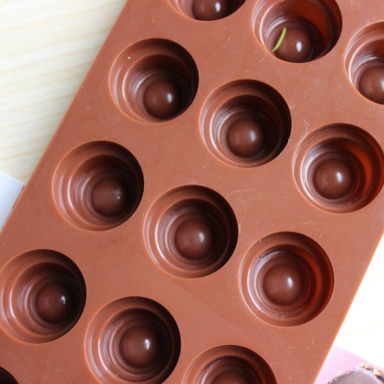 15-hole round silicone mold personality DIY handmade chocolate ice lattice mold handmade soap mold