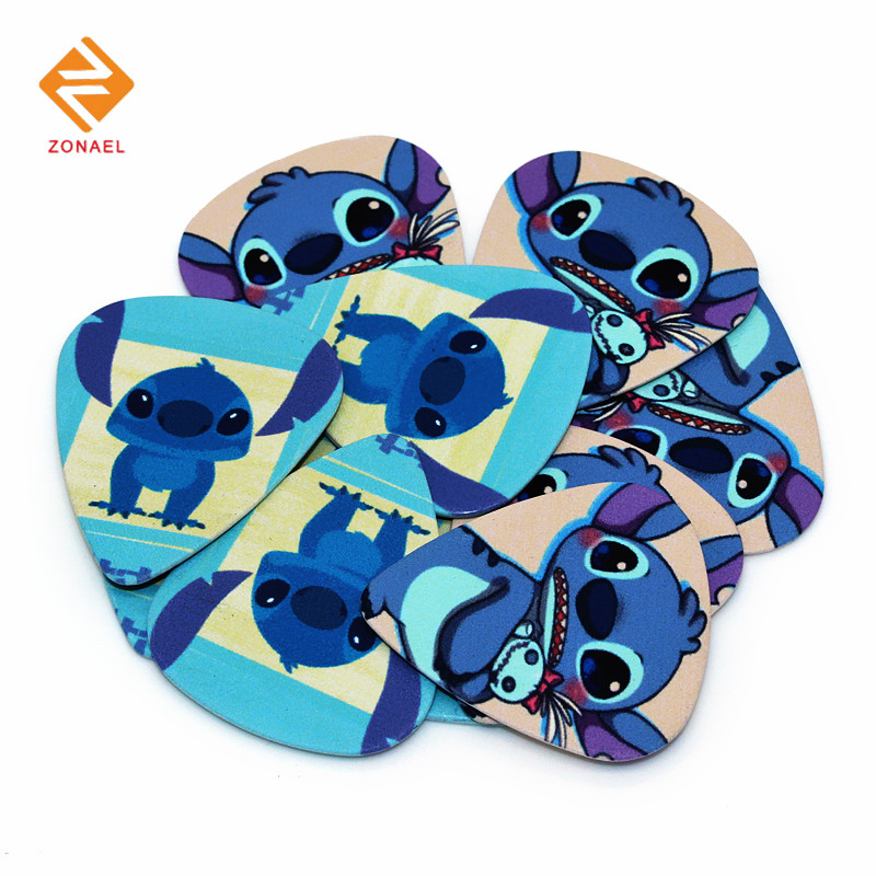 Zonael 10pcs 0.71mm High Quality Two Side Earrings Pick DIY Design Guitar Picks European and American Cartoon Characters 1S208