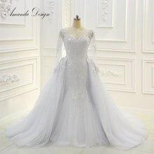 Свадебное платье с длинным рукавом и вышивкой бисером