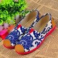 Прохладный цветочный принт новый старый Пекин женщина инъекций обувь женская повседневная синий скольжения на обуви фарфора плоские туфли sapatos
