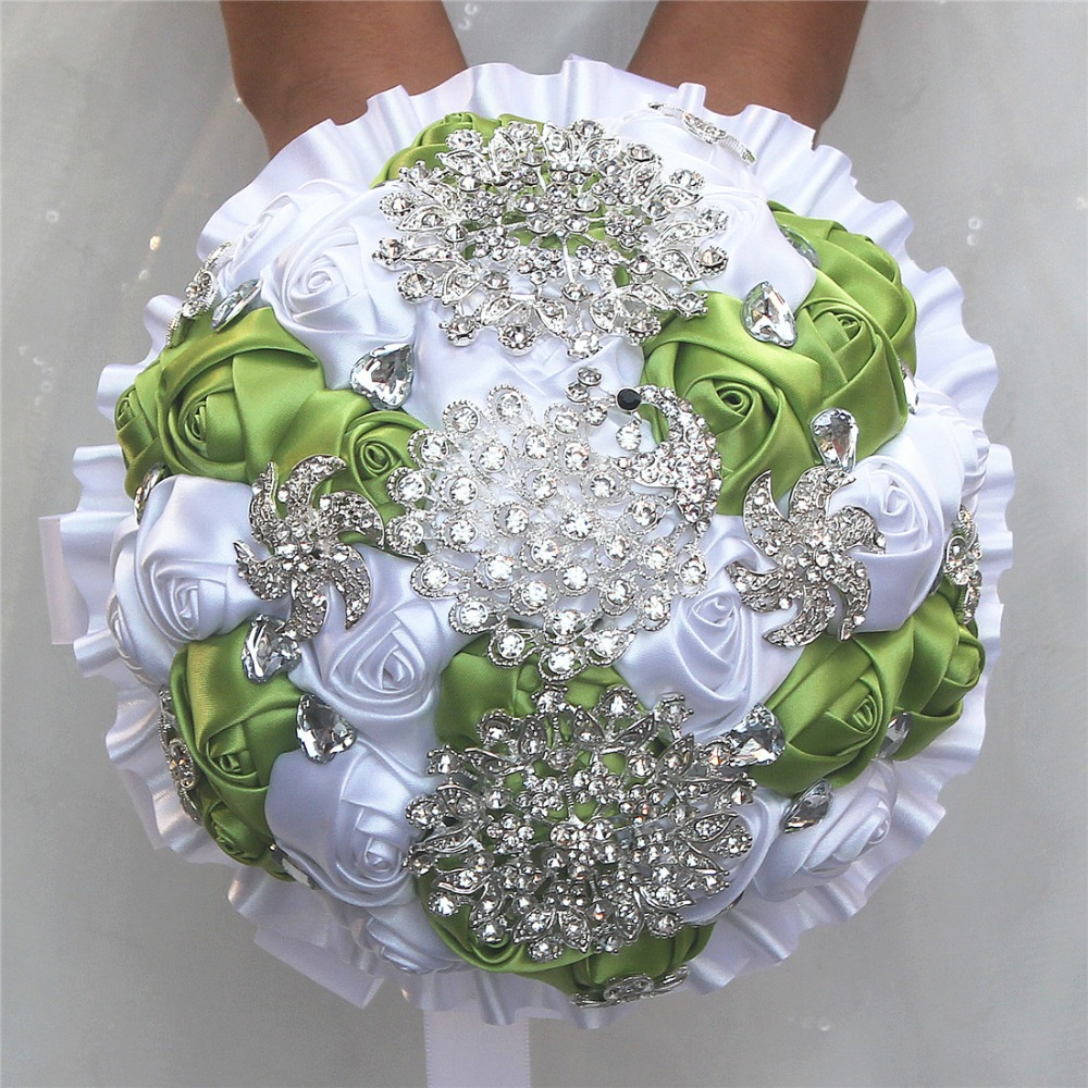 Durable Luxury Grass Green White Silk Flower Bouquet Peacock