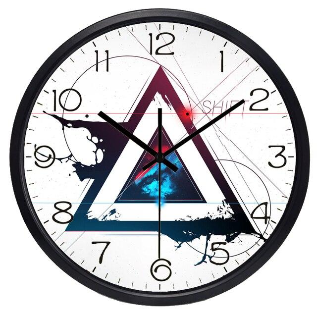 2d21138de458 COSMIC lenguaje Matemáticas triángulo geométrico nuevo diseño Reloj de pared  salón Decoración para el hogar Silent