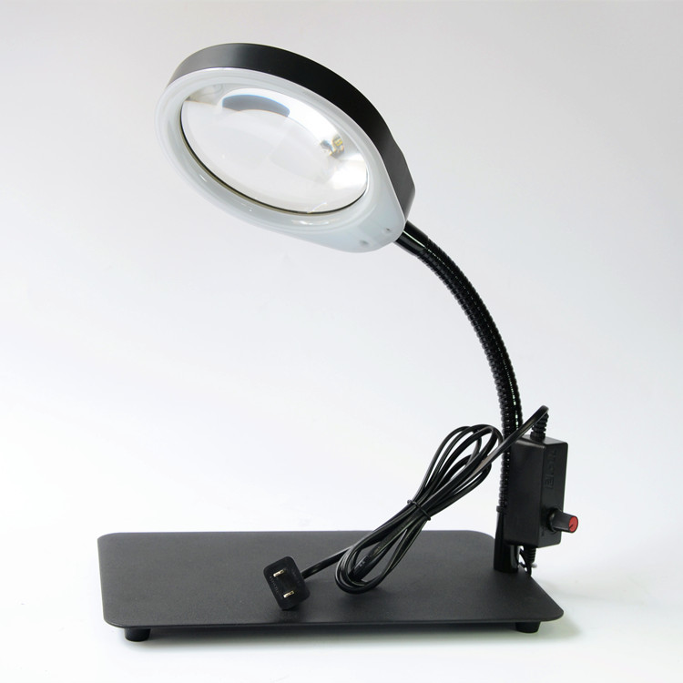 Equipped with 48 LED light magnifying glass for light reading test medical desk magnifying glass can be folded