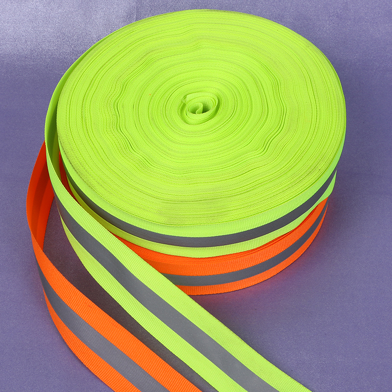 Fita de costura reflexiva de pano das tiras 100 medidores, material da fita de advertência da reflexão da largura de 5cm * 1.5cm