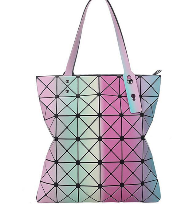 2018 Forró eladó Női tervező Híres márka váll kézitáska Geometriai Rhombus táskák nők Bao Bag Messenger táskák Ezüst