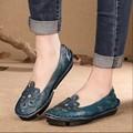 Старинные натуральная кожа женская обувь ручной работы резьба с низким уровнем национальным тенденция вырез обувь плоские каблуки мягкой подошвой обувь