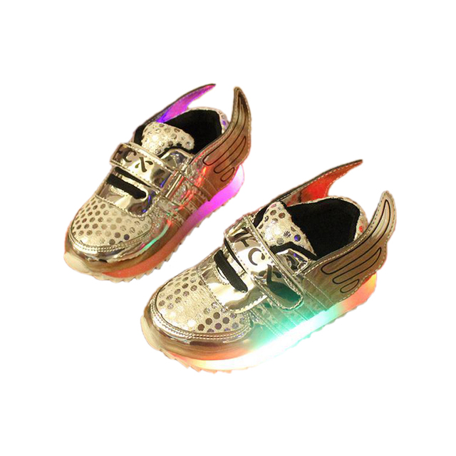cute LED flash causal baby shoes lovely lightning wings sneaker shoes for 9-24M baby newborn infantil outdoor causal shoes hot