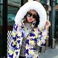 2014 Novas Mulheres Casaco de Inverno Camuflagem Com Capuz Seções Longas Slim Down Imitação de pele de Raposa Gola De Pele Grossa Jaqueta Pato Branco Para Baixo