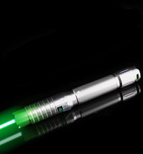 Tremendous Highly effective inexperienced laser pointer 532nm 30000mw 890 excessive energy burn match,burn cigarettes,pop balloon+charger+present field