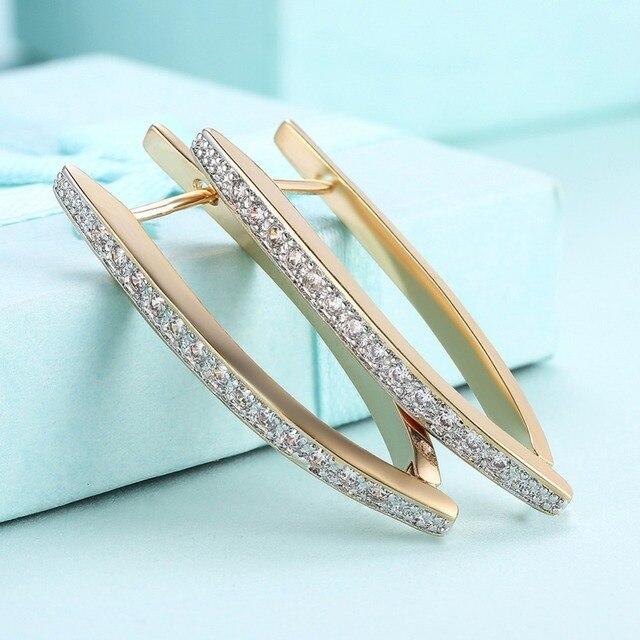 Фото новые поступления серьги кольца v образной формы для женщин цена