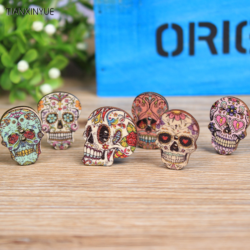 25 x 25mm Mixed Wooden Skull Buttons Halloween, Mexican Day of the Dead Style